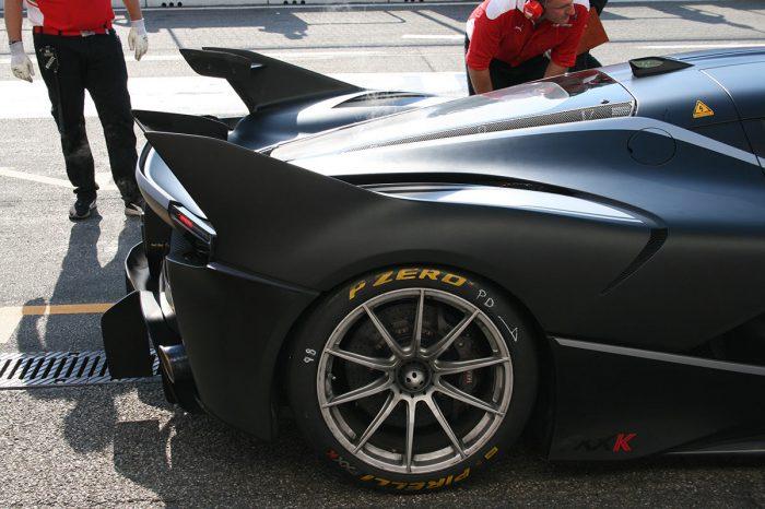Ferrari FXXK in mattschwarz